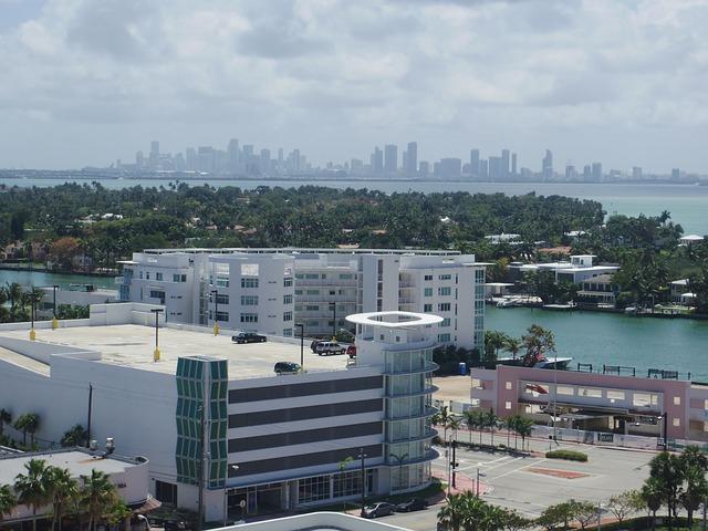 Flood damage company in Miami
